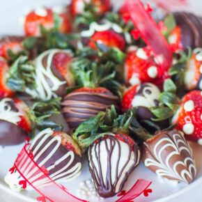 how to make chocolate covered strawberries tutorial