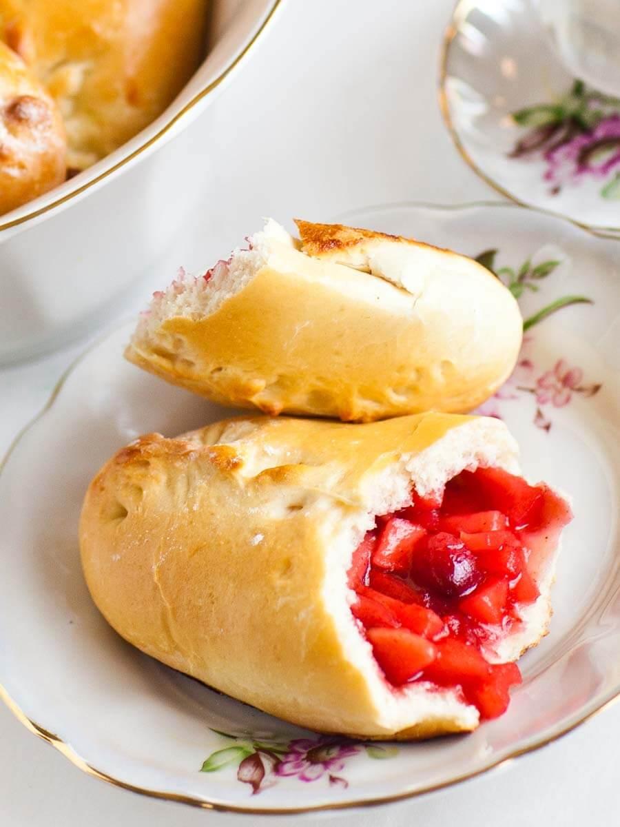 cranberry apple piroshki, Ukrainian piroshki recipe