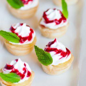 lemon curd tarts with meringue