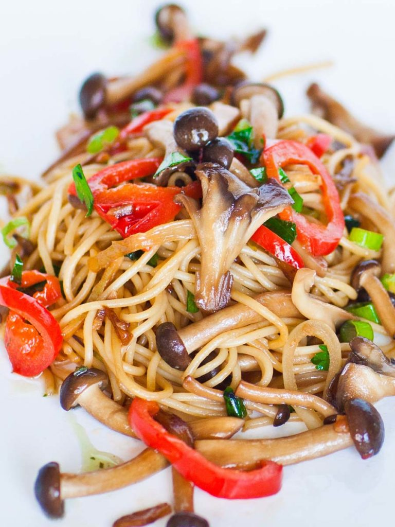 pepper and mushroom noodles for seafood recipe