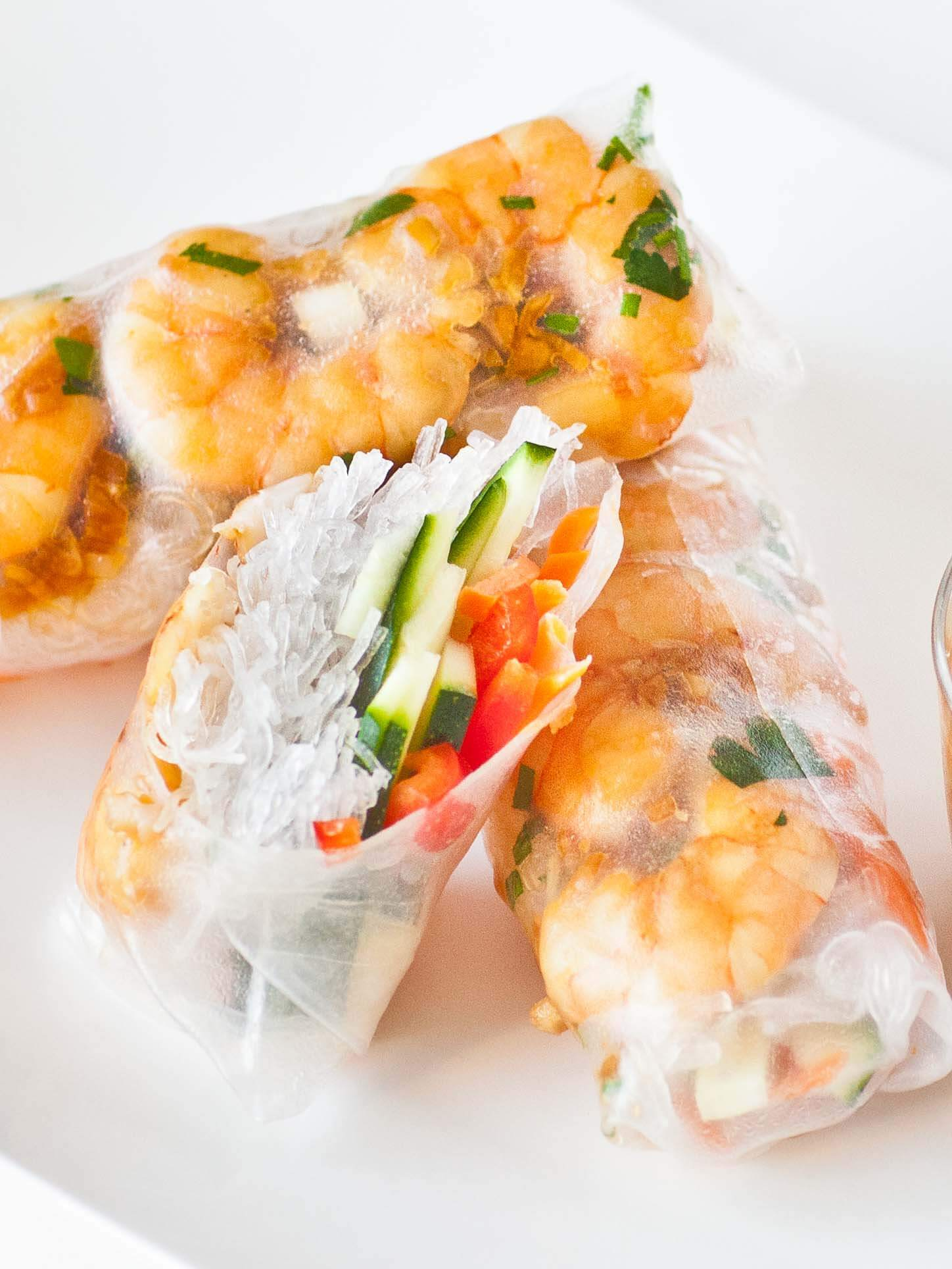 shrimp spring rolls with veggies