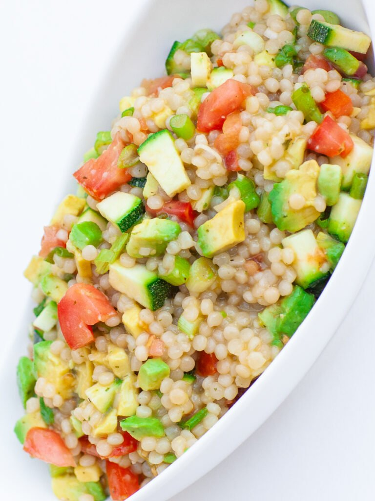 garlic couscous with veggies and chickpeas