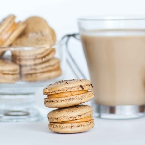 Coffee Macarons with Caramel Filling with video tutorial