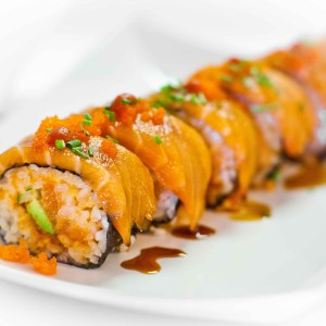 Spicy Salmon Sushi Roll with video tutorial