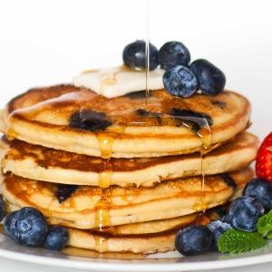 Fluffy Blueberry Vanilla Pancakes - Video Tutorial