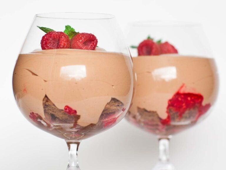 chocolate mousse recipe with raspberry sauce, caramel sauce and chocolate cake