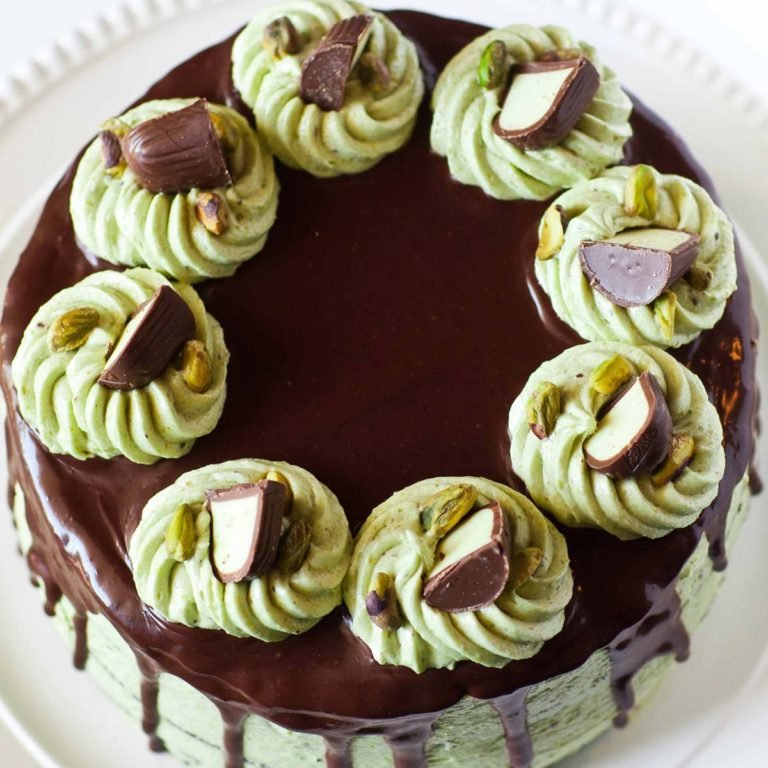 pistachio cake with chocolate ganache and pistachio frosting