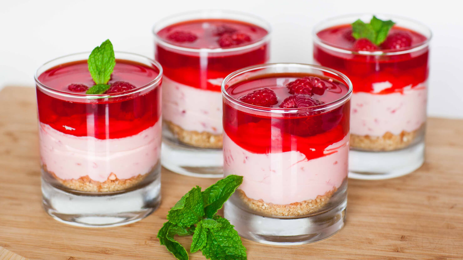 No-Bake Raspberry Cheesecake Dessert