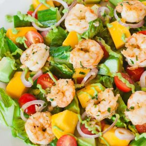 shrimp salad with avocado and mango
