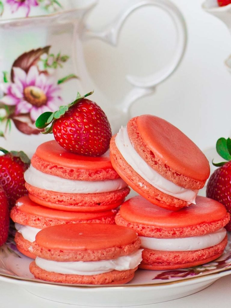 french strawberry cookies with strawberry filling