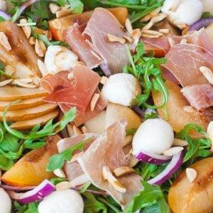 prosciutto pear salad with mozzarella