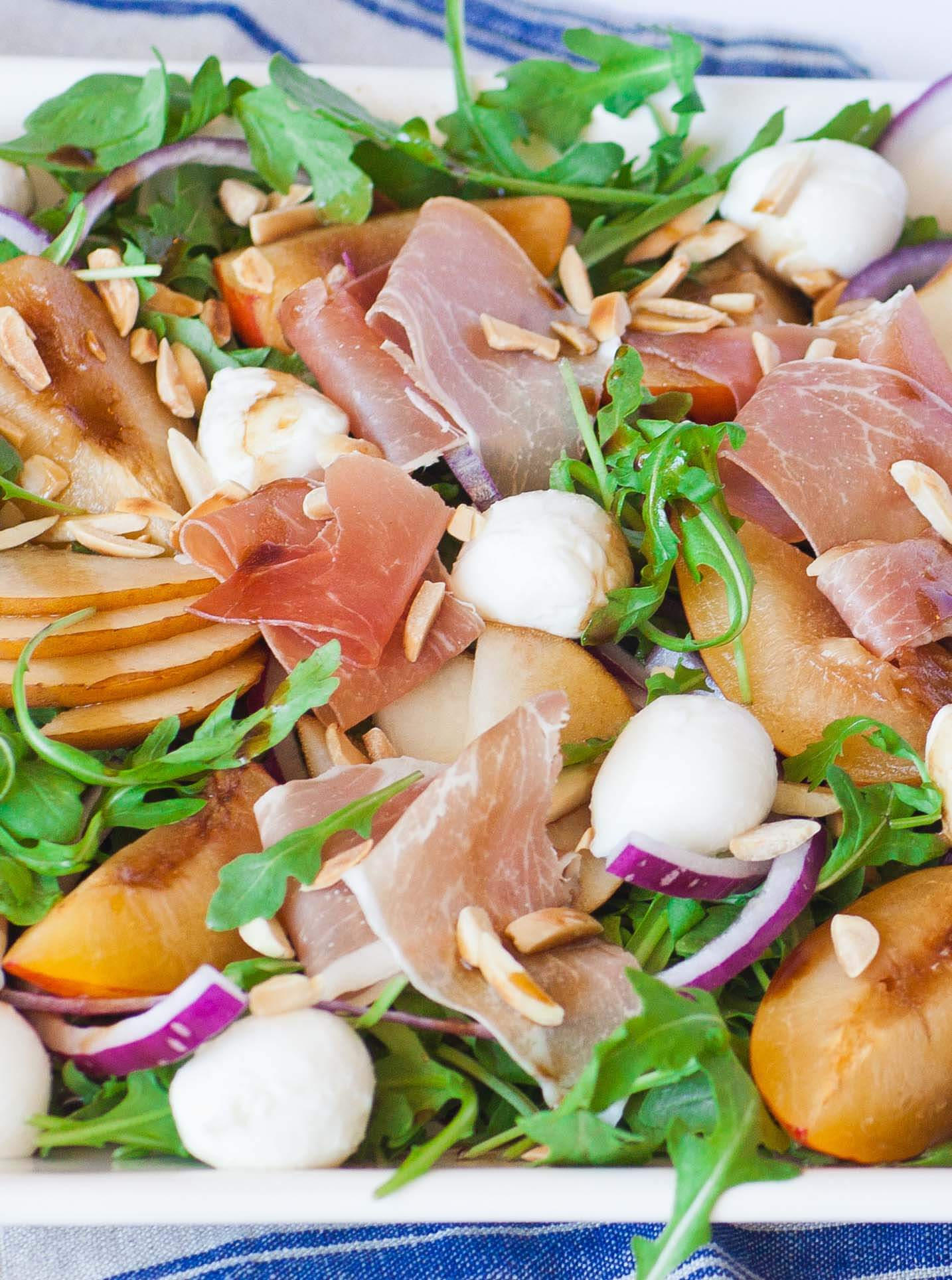 prosciutto pear salad with mozzarella