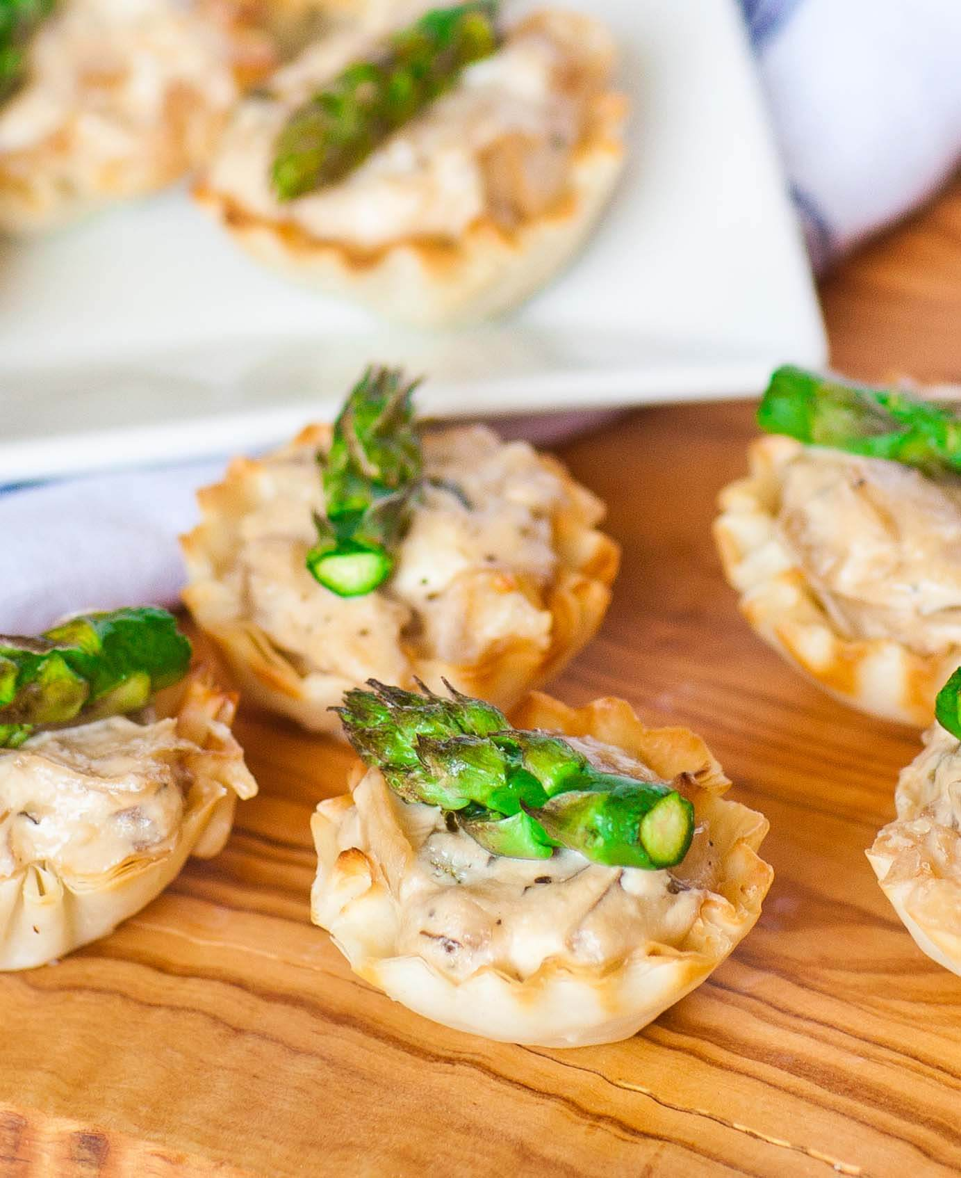 Cheese Tarts with Asparagus and Onion