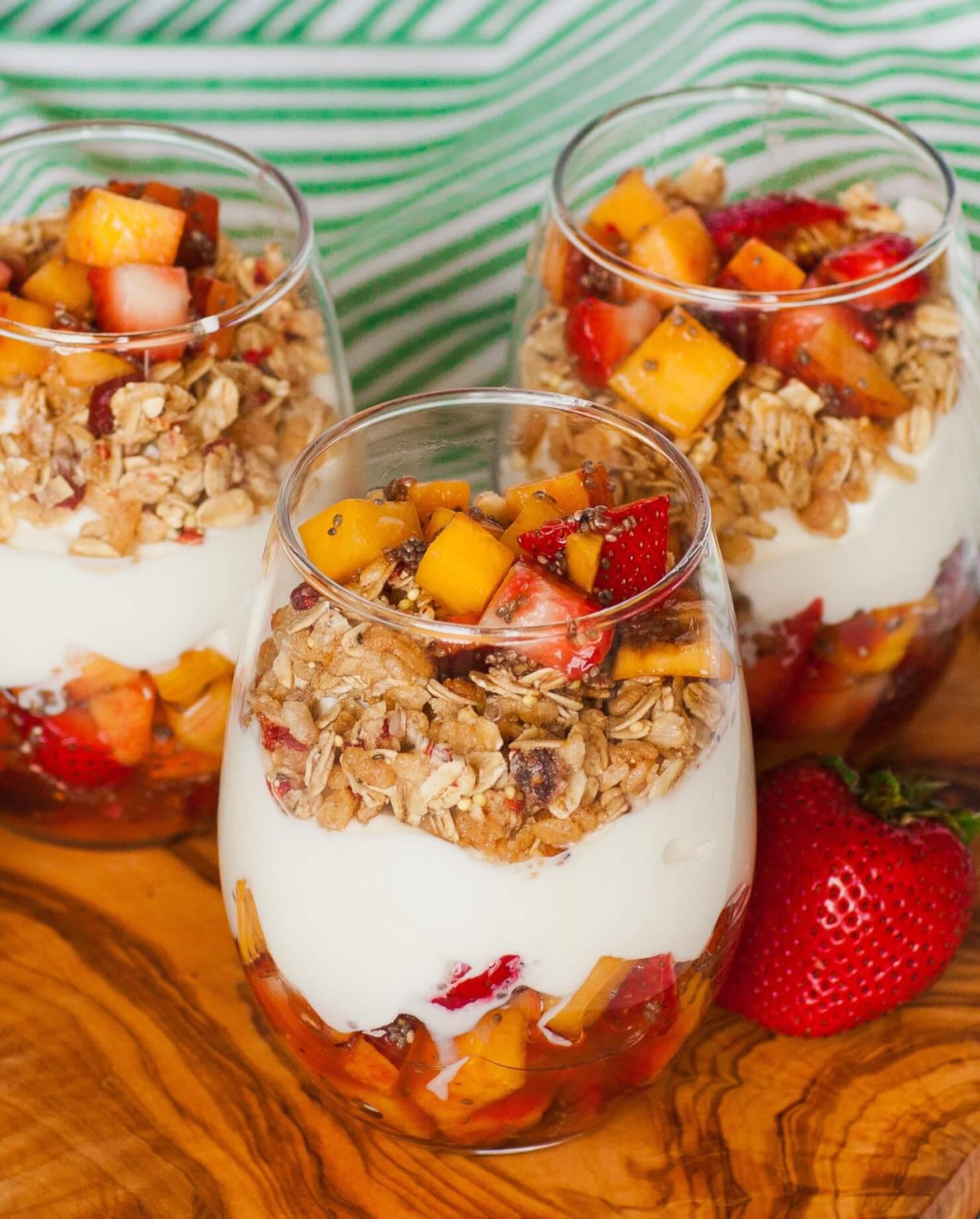 peach and yogurt fruit parfait
