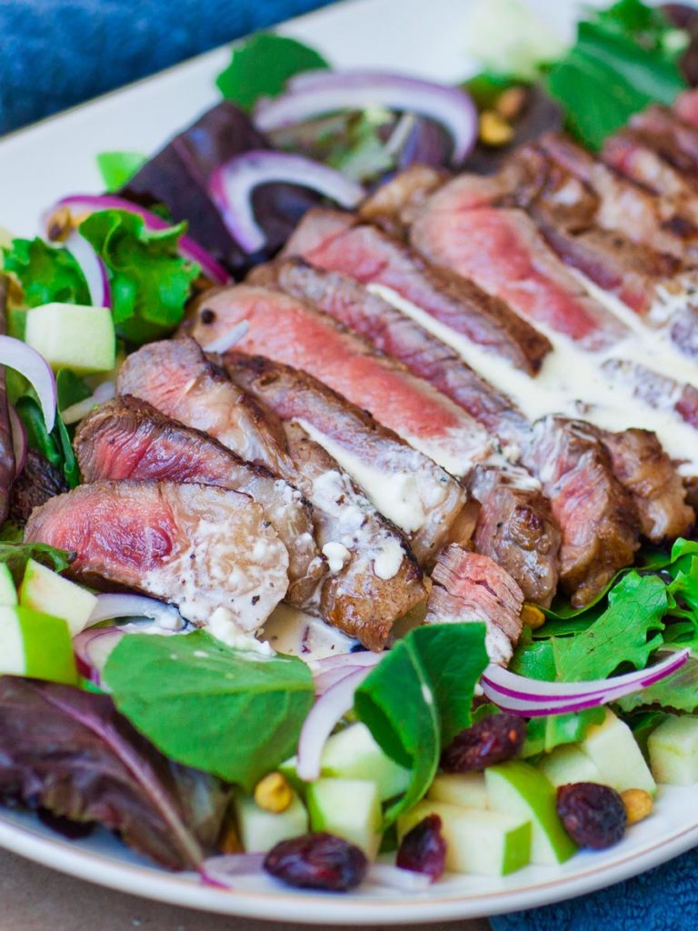 blue cheese steak salad recipe with apples, shallots and avocado