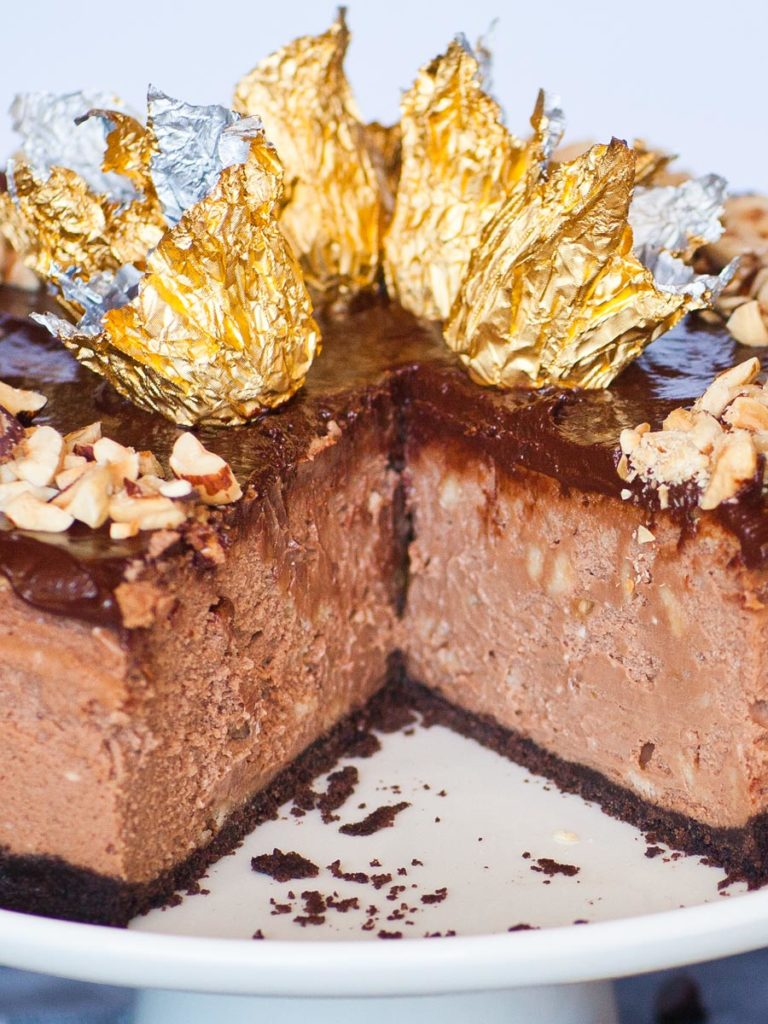 chocolate hazelnut cheesecake slice