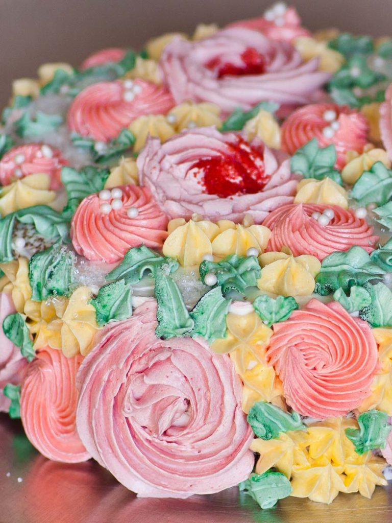 flower piping tutorial for flower cake