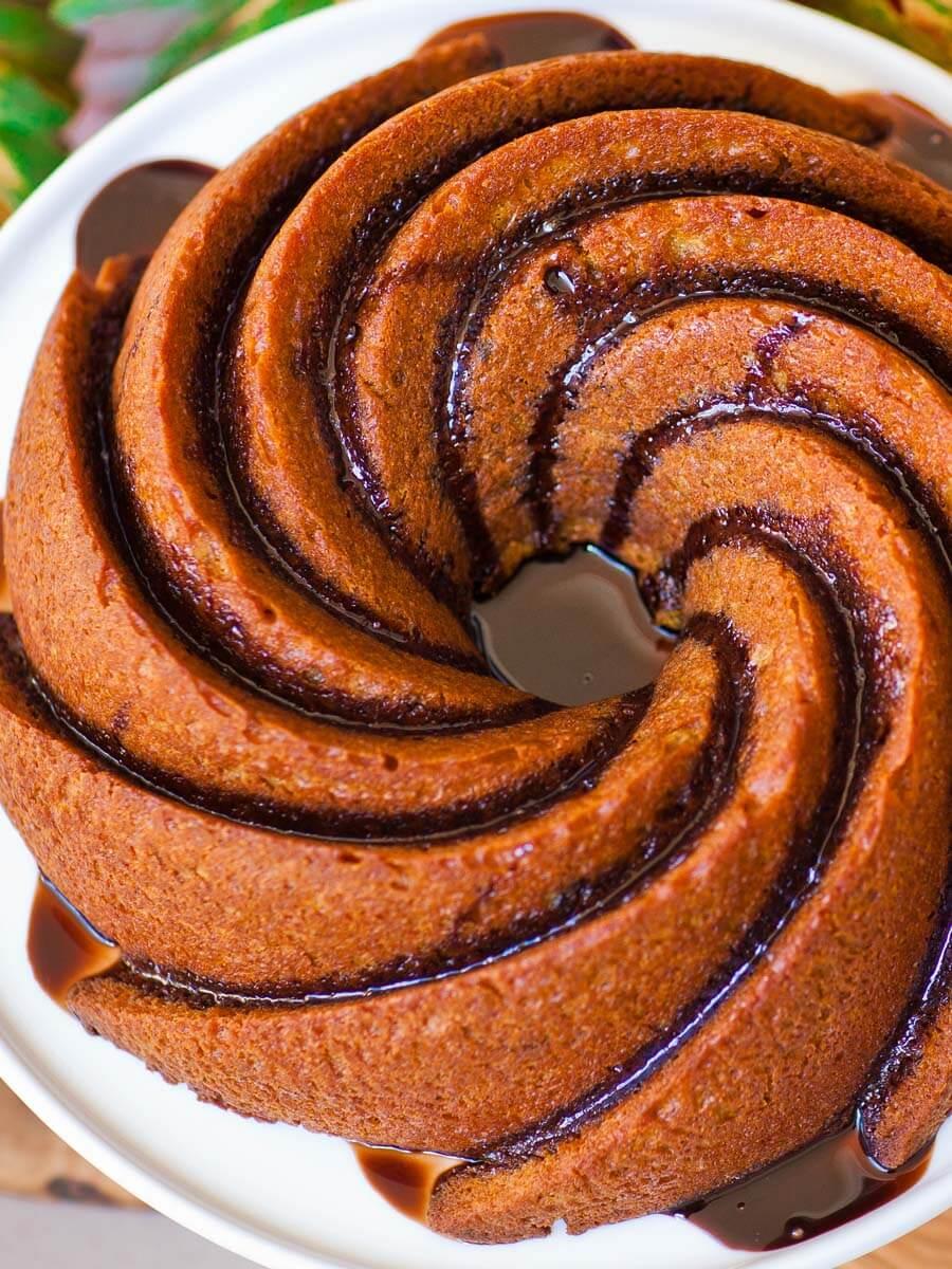 maple pumpkin bundt cake recipe with chocolate glaze
