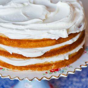 simple vanilla cake with vanilla buttercream