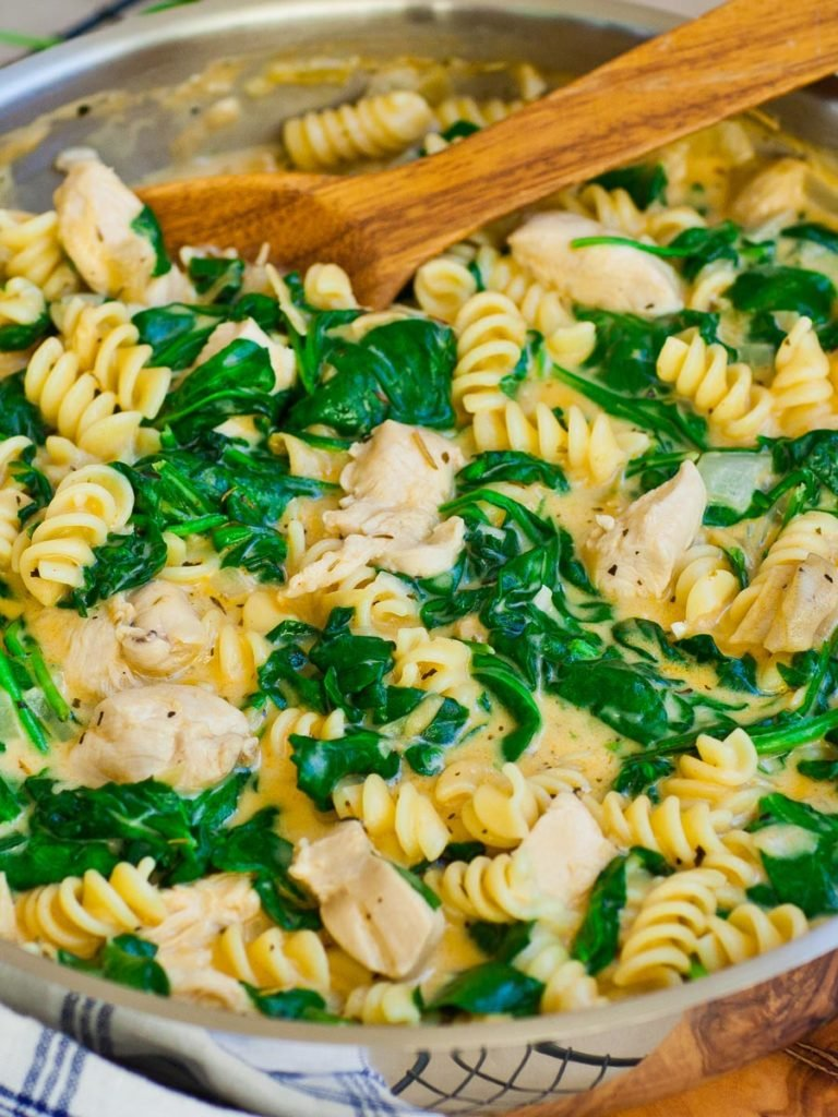 chicken pasta with artichokes, spinach and cheese; spinach dip pasta