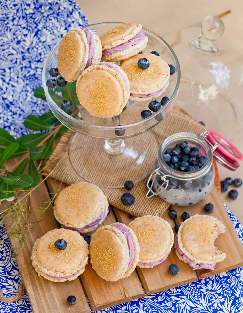 cheesecake macarons with blueberry filling