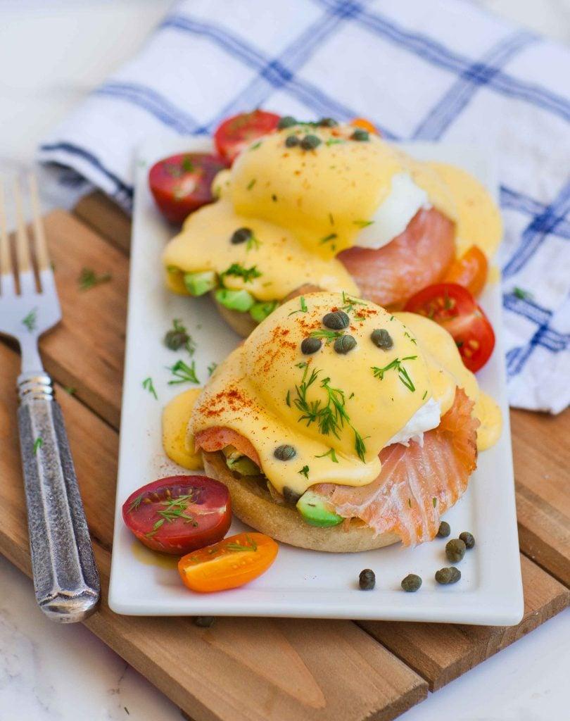 eggs benedict with smoked salmon and avocado