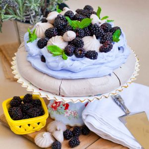 chocolate pavlova with blackberries