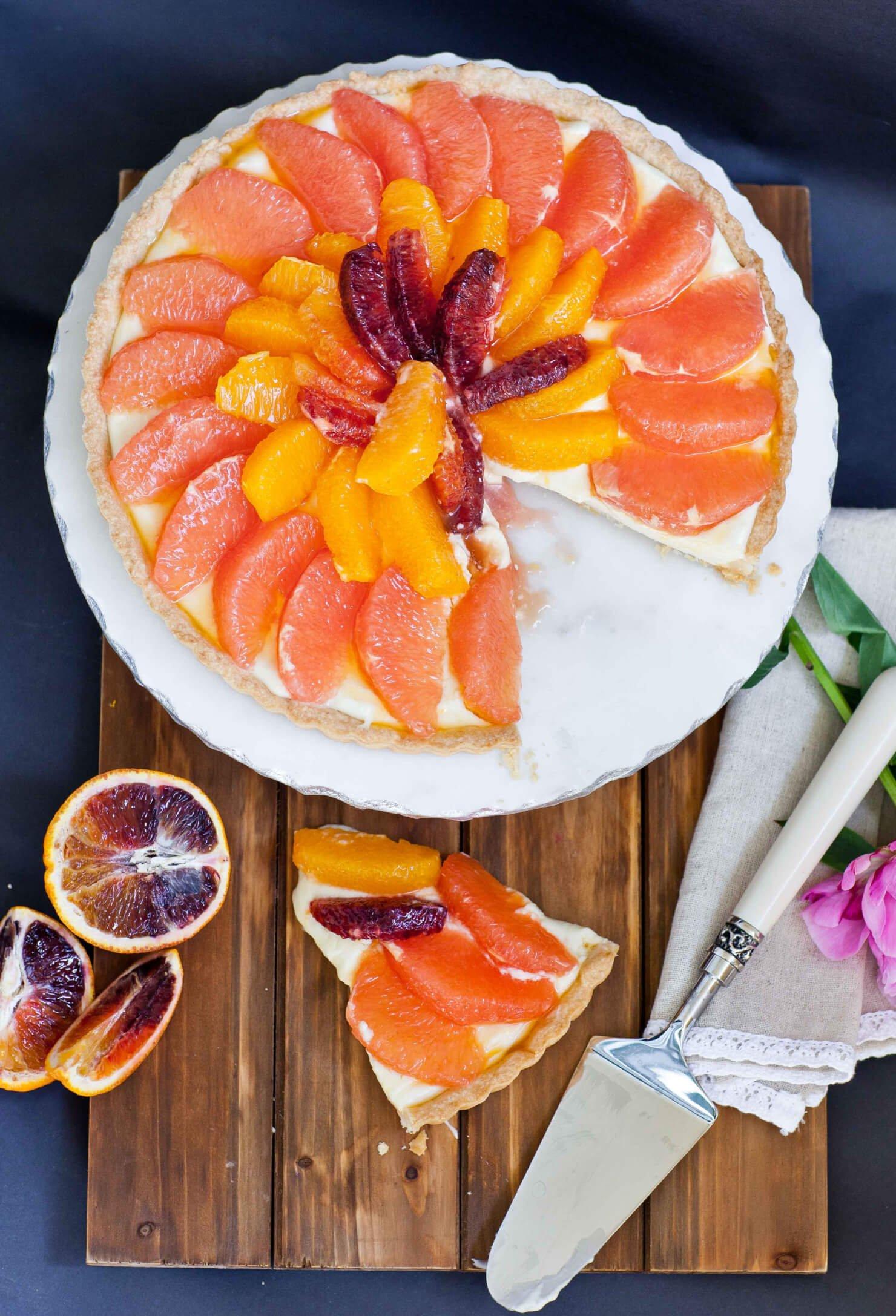 citrus grapefruit tart with vanilla filling