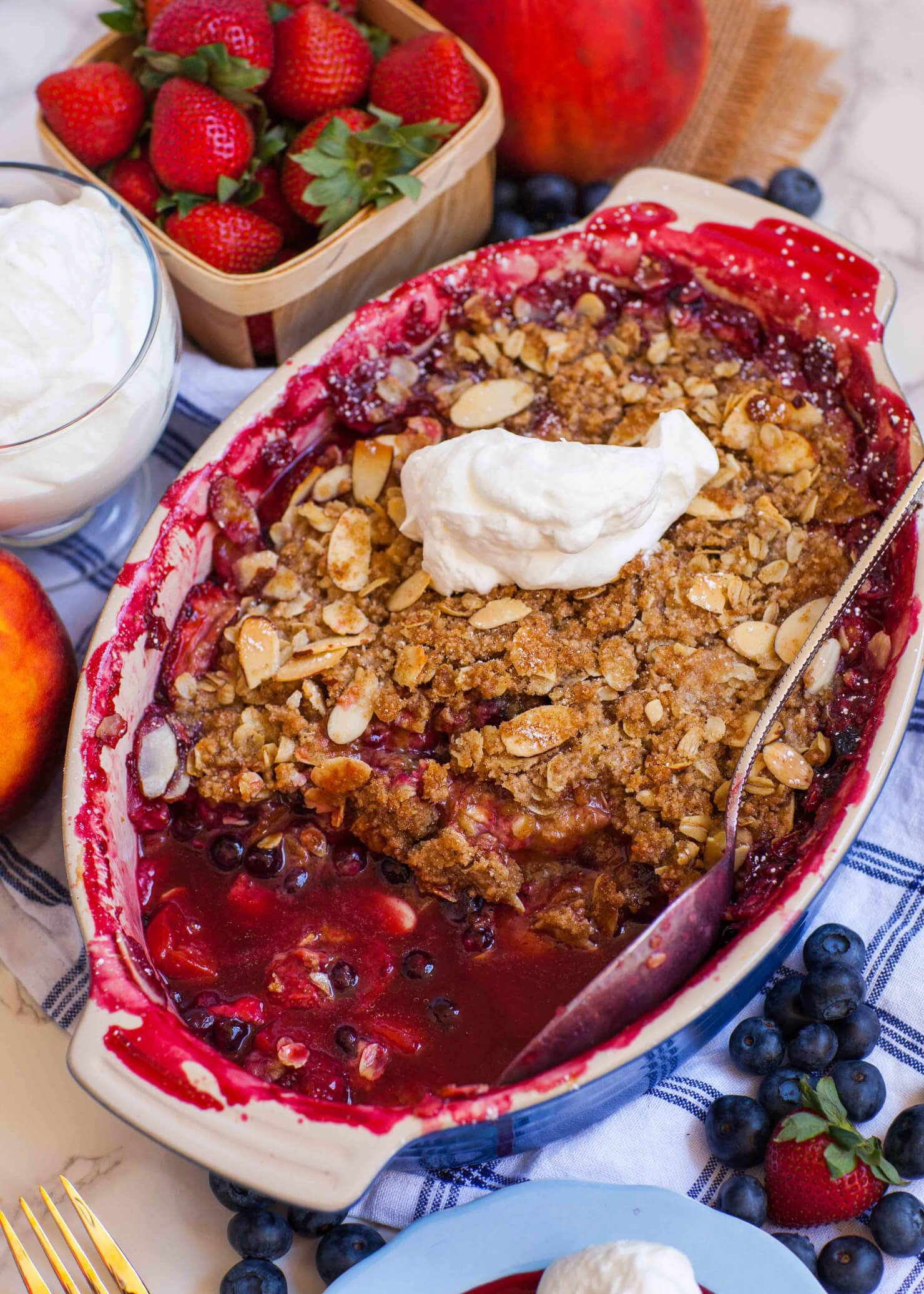 Berry Peach Crumble
