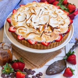s'mores tart with strawberries