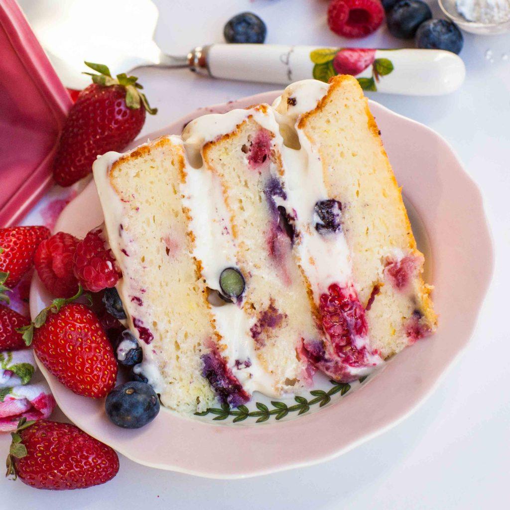 lemon berry mascaprone cake slice