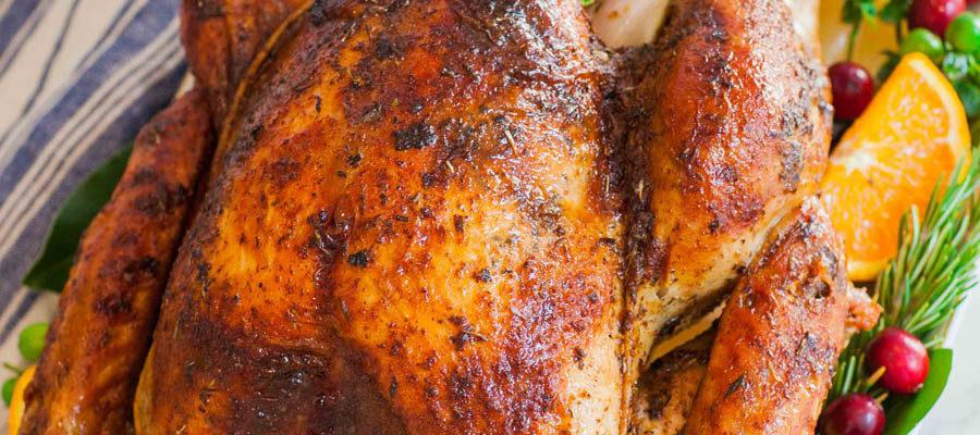 Garlic Butter Thanksgiving Turkey With Gravy