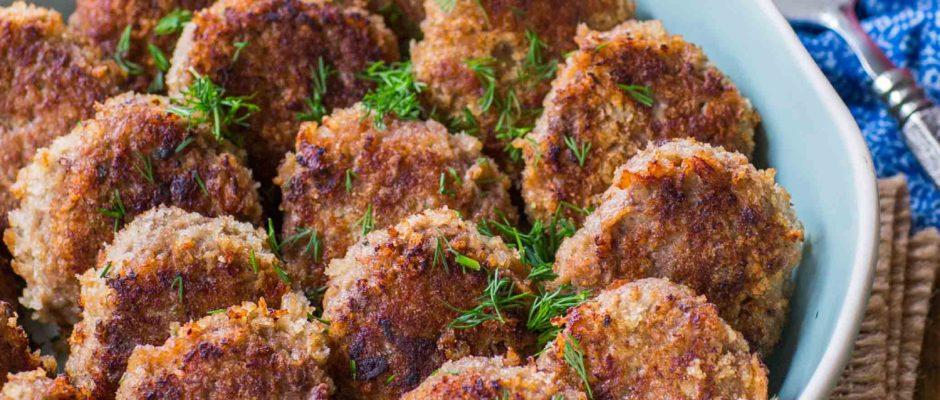 Juicy Beef Cutlets With Mushroom Gravy