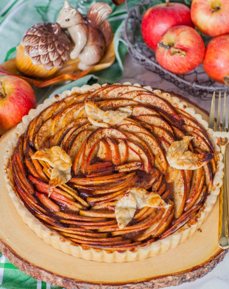 beautiful apple tart recipe topped with sliced apples