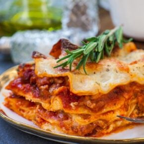 meat lasagna with ricotta cheese