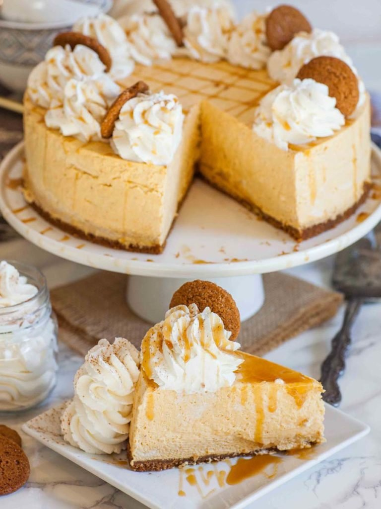 no-bake pumpkin cake for fall with gingersnap cookies, spiced cream and caramel