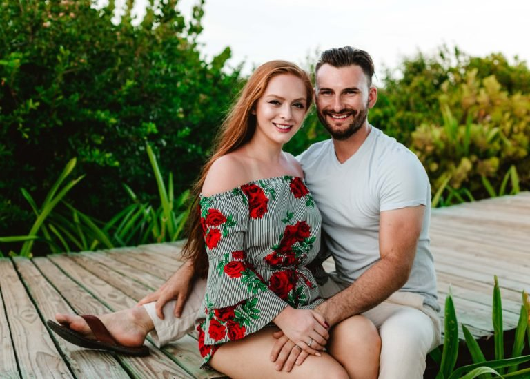 couples photoshoot in tropical Mexico