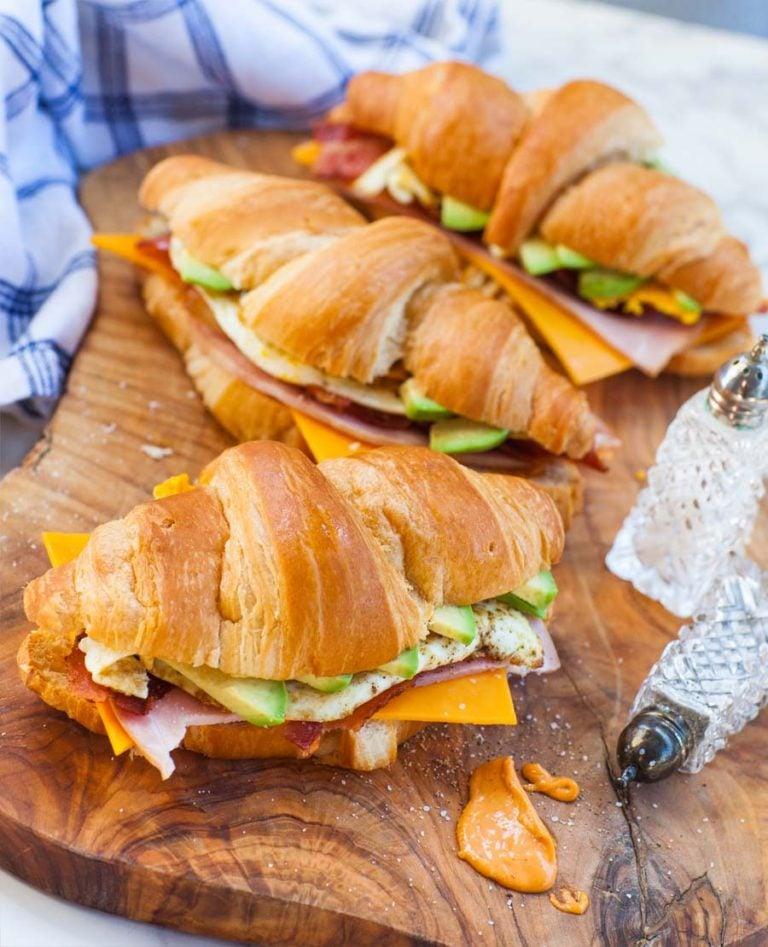 avocado bacon cheddar breakfast sandwich recipe