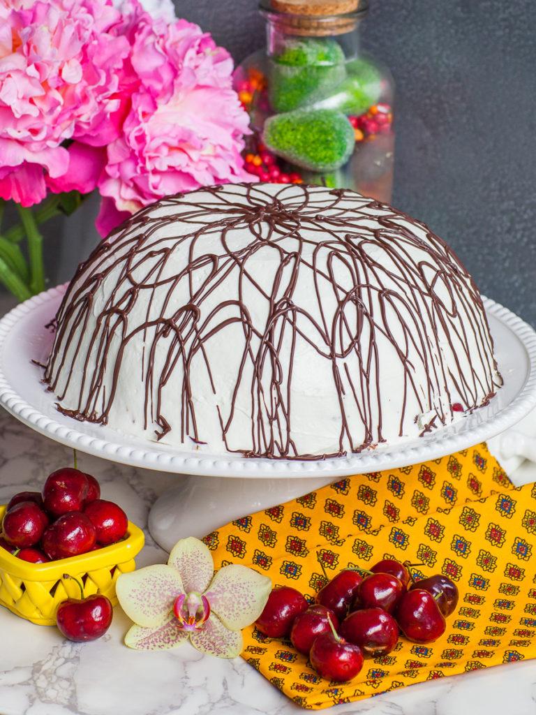 Russian chocolate cherry cake Pancho torte