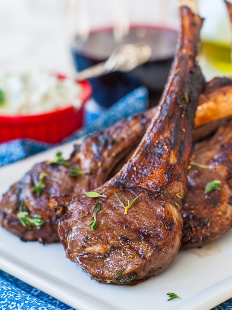 grilled lamb chops with garlic, rosemary and thyme