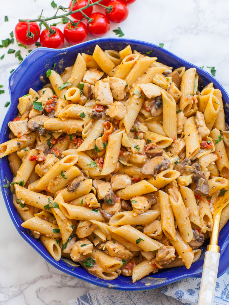 sun-dried tomato pasta with chicken and mushrooms