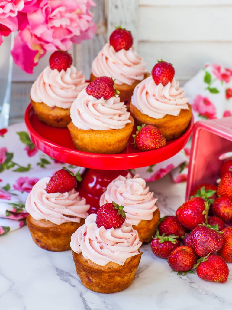 cupcake recipe with strawberries and buttercream frosting