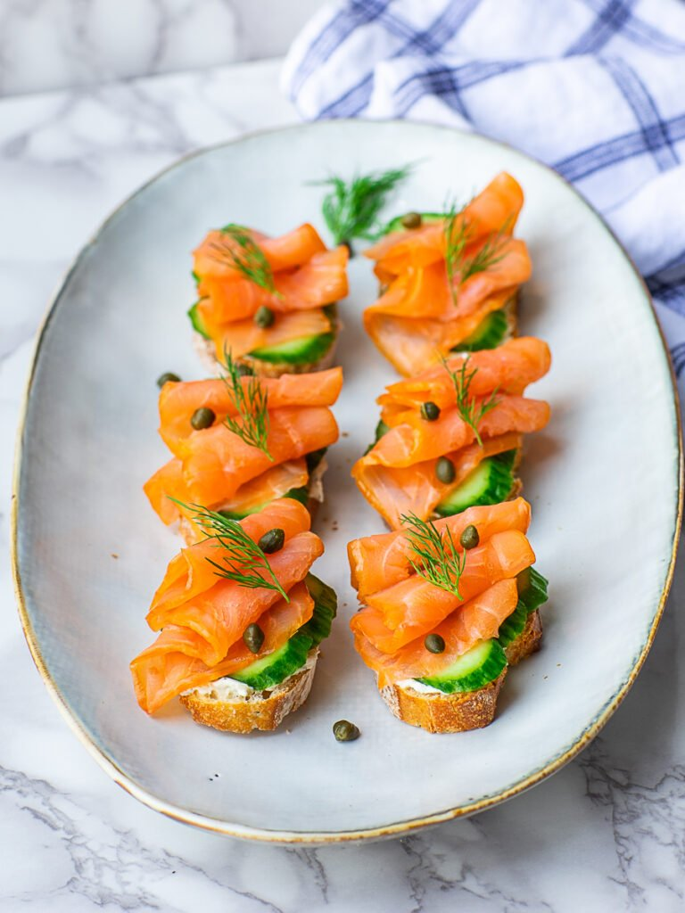 smoked salmon tea sandwiches with cucumbers and dill
