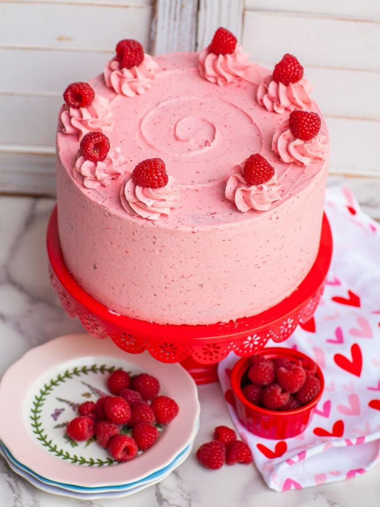raspberry cake recipe with raspberry buttercream frosting