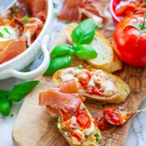 bruschetta recipe with burrata cheese and prosciutto